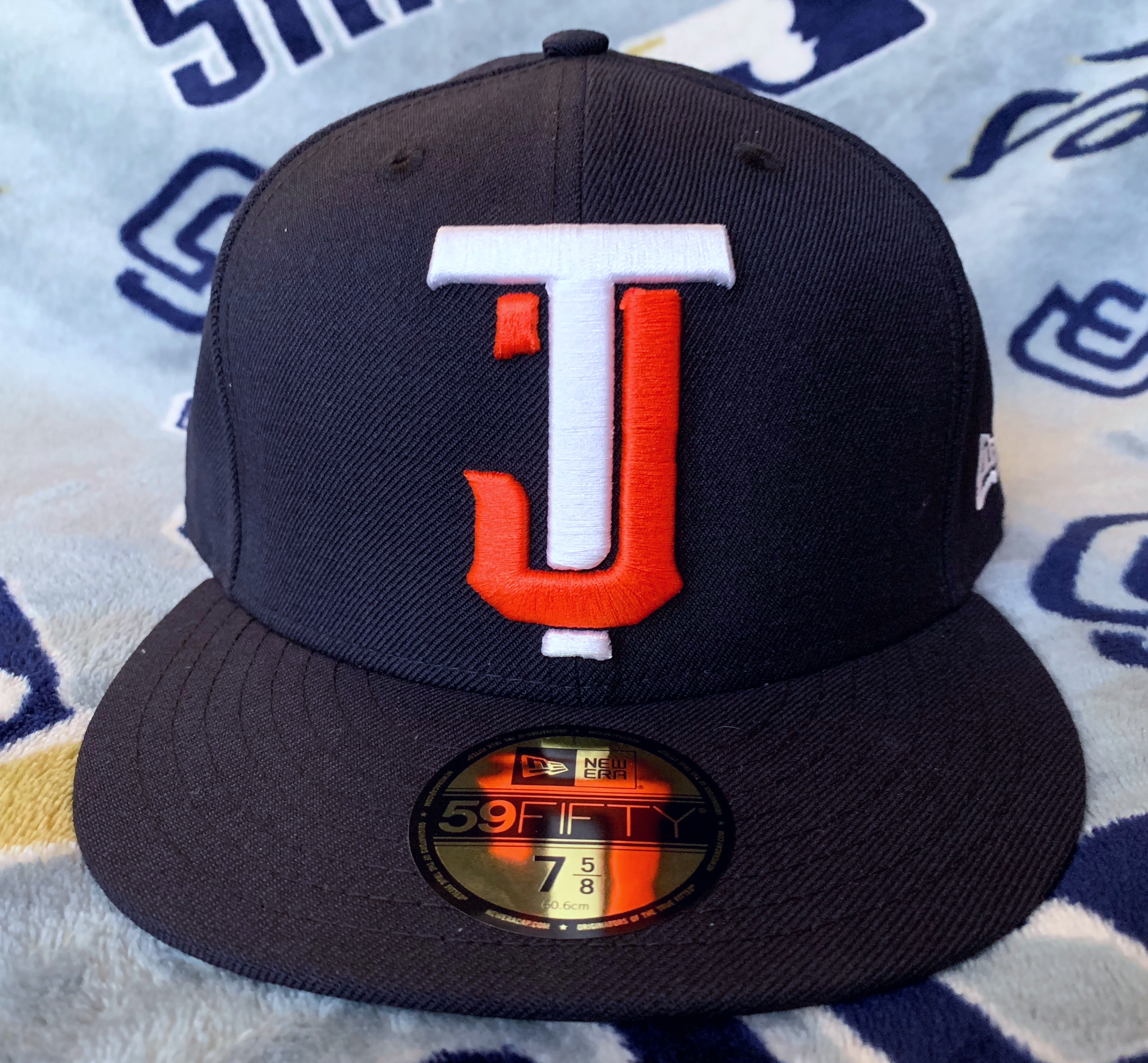 2044943b26a937 A very interesting cap just released recently was this Toros de Tijuana  fitted in a very familiar colorway any Padres fan would recognize  immediately.